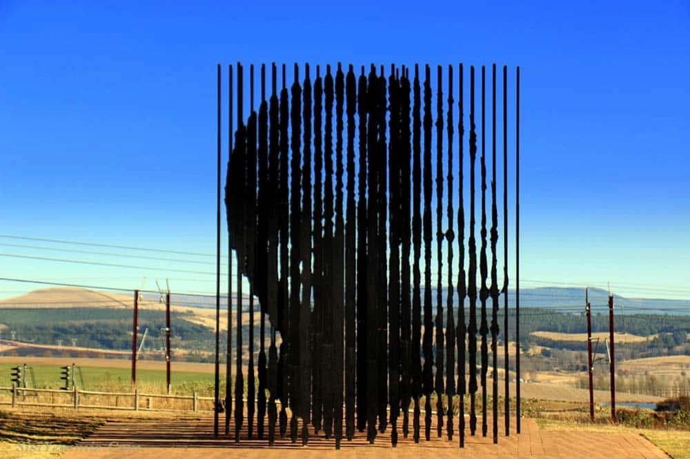 Zulu Safaris Drakensberg Cave Paintings & Nelson Mandela Capture Site Tour
