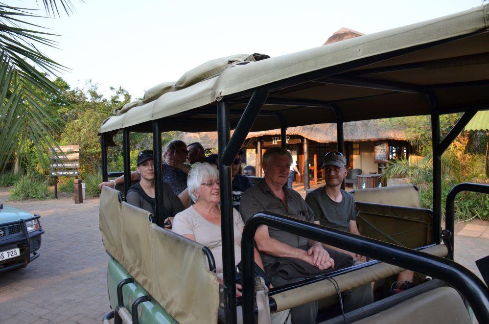 Zulu Safaris-Hluhluwe Imfolozi Open Vehicle Game Drive